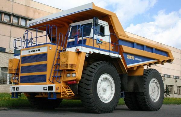 БелАЗ грузовик
